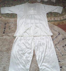 Пиджамы костюм шелковый 1000 р новый
