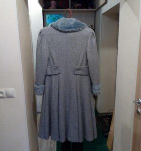 Пальто драповое зимнее с утепленным подкладом