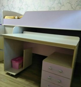 Детская кровать + стол