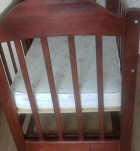 Кровать-маятник с матрасом