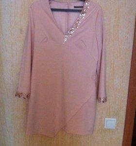Очень красивое платье . Нежно розовое.