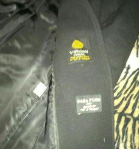 Пальто женское, 48 размер, мех - чернобурка