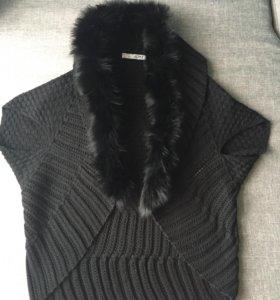 Жилетка - свитер накидка с меховым воротником