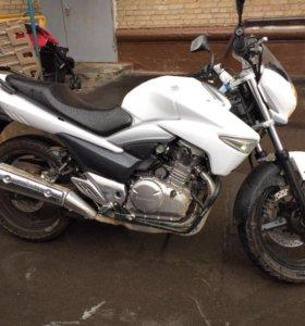 Мотоцикл SUZUKI GW250