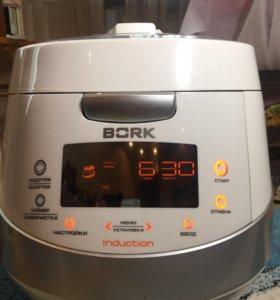 Мультиварка Bork U700