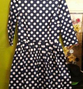 Платье атласное р.42