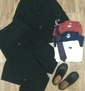 Школьная форма + туфли + футболки и джемпер