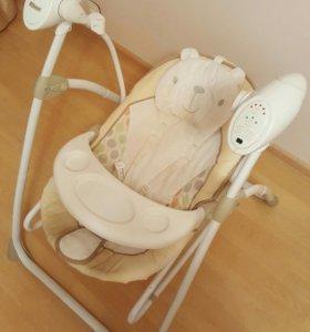 Электрокачели и стул для кормления