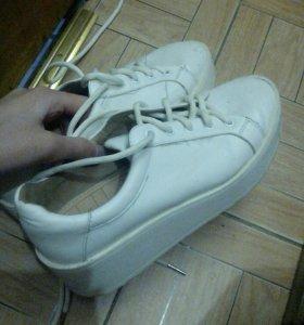 Кроссовки из Бершка
