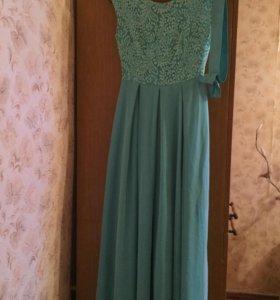 Шикарное платье в пол мятного цвета