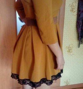 Платье горчичное