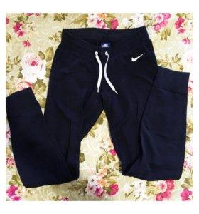Спортивные штаны Naik