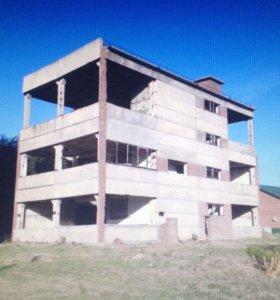 Железобетонные конструкции, здание на разбор.