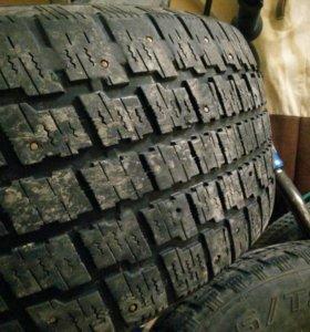 Резина шины зимние шипы 235/60 R16