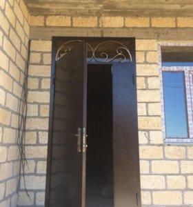 Кованые и гладкие двери