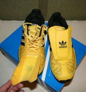 Кроссовки Adidas оригинал р.38
