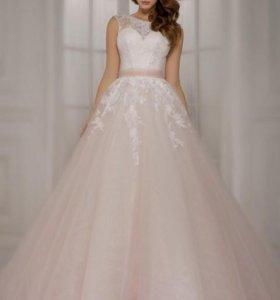 Любимое свадебное платье (размер 44/46)