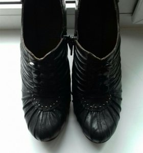 Ботинки 38р