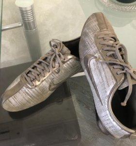 Оригинальные кроссовки 👟 Nike 42 размера,серебрис