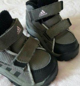Adidas Кроссовочки