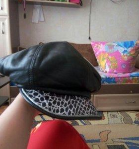 Кожаная женская кепка