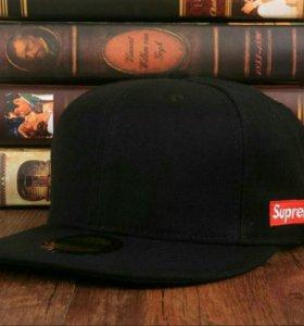 Snapback Supreme Black