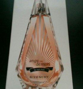 Продам парфюм Живанши