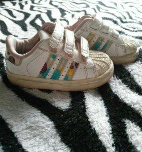 Кросовки Adidas 20 размер