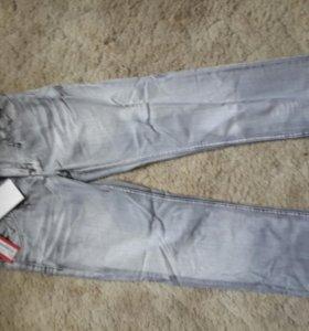 новые джинсы 48р