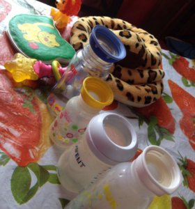 игрушки и бутылки 🍼 (за все 150₽)