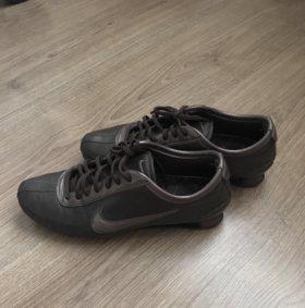 Кроссовки Nike женские