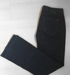 Тёмные джинсы клёш