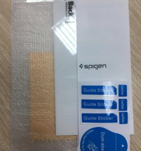 Защитное стекло для iPhone Spigen