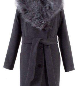 Пальто утепленное с искуственным мехом
