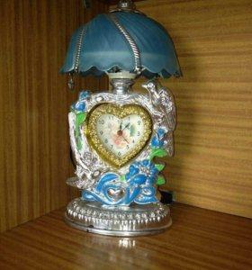 Часы со светильником