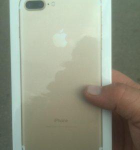 Айфон 7+ на 128гб