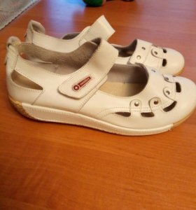 Туфли новые коженые
