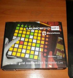 Novation Launchpad Mini MK 2
