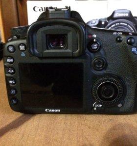 Зеркальный фотооаппарат canon eos 7d
