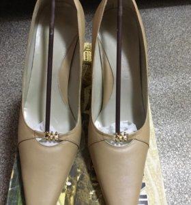 Туфли кожаные. 39 размер, Новые