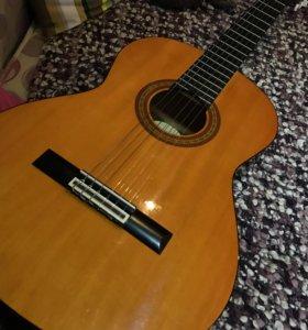 Продам гитару Aria