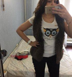 Жилетка женская и футболка