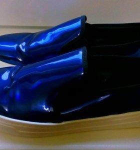Кеды ASOS DREAMER-голографический синий.