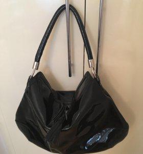 Кожаная лакированная сумка