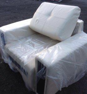 Продам кресло кожаное б/у