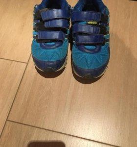 Кроссовки Adidas( оригинальные)