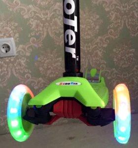 Самокаты новые , фирма скутер