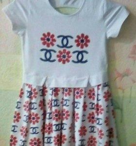 Платье трикотажное на 6-7 лет