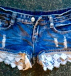Шорты джинсовые с уружевом