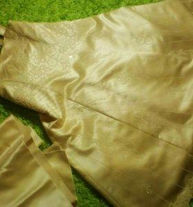 Платье бальное с палантином на 6-8 лет